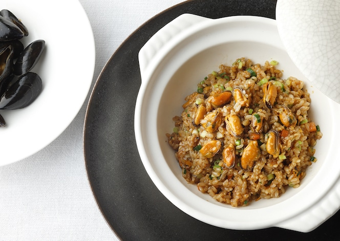 Palace Hotel Tokyo Amber Palaces Autumn 2019 Claypot Rice with Mussels H2