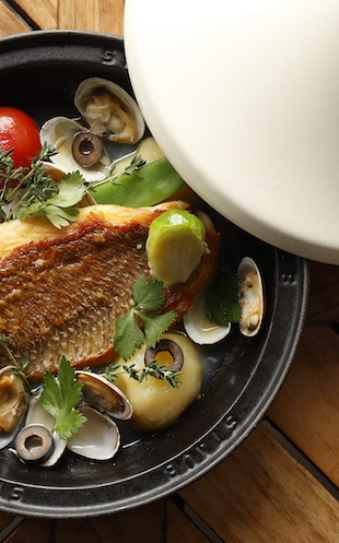 Palace Hotel Tokyo Crowns Spring 2019 Fish en Cocotte T2