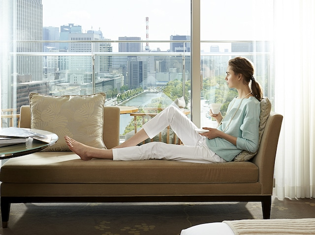 Palace Hotel Tokyo Deluxe King with Balcony with Model H2