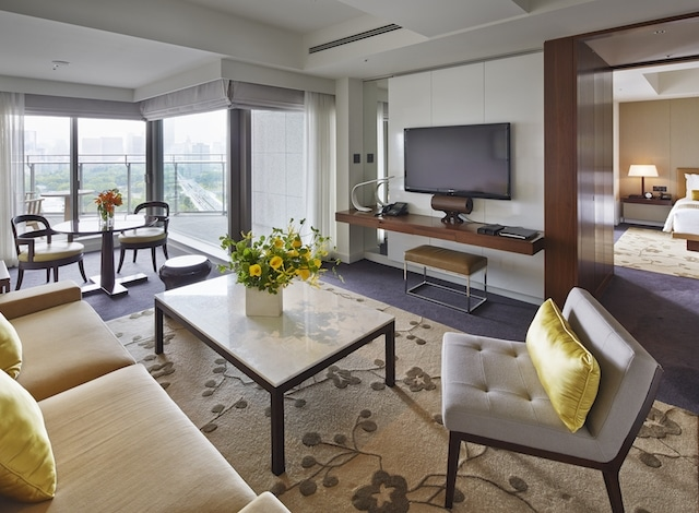 Palace Hotel Tokyo Executive Suite Living Room II H2
