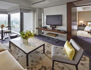 Palace Hotel Tokyo – Executive Suite – Living Room – II – HT2