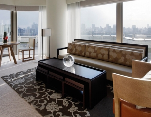 Palace-Hotel-Tokyo-F-Chiyoda-Suite-Living-Room-I