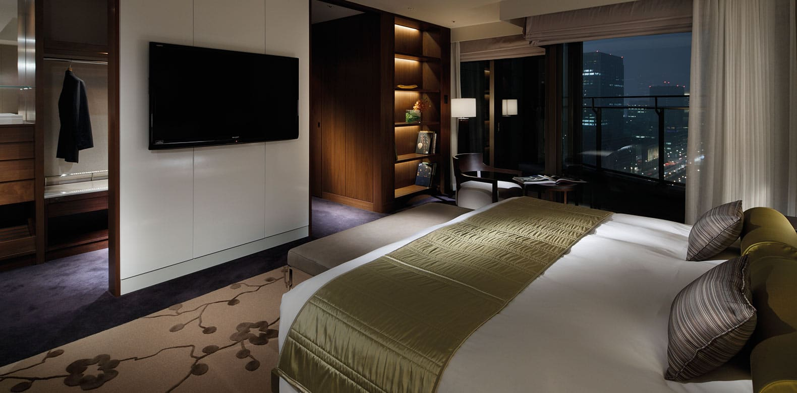 Palace-Hotel-Tokyo-F-Executive-Suite-Bedroom-I