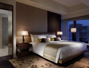 Palace-Hotel-Tokyo-F-Garden-Suite-Bedroom
