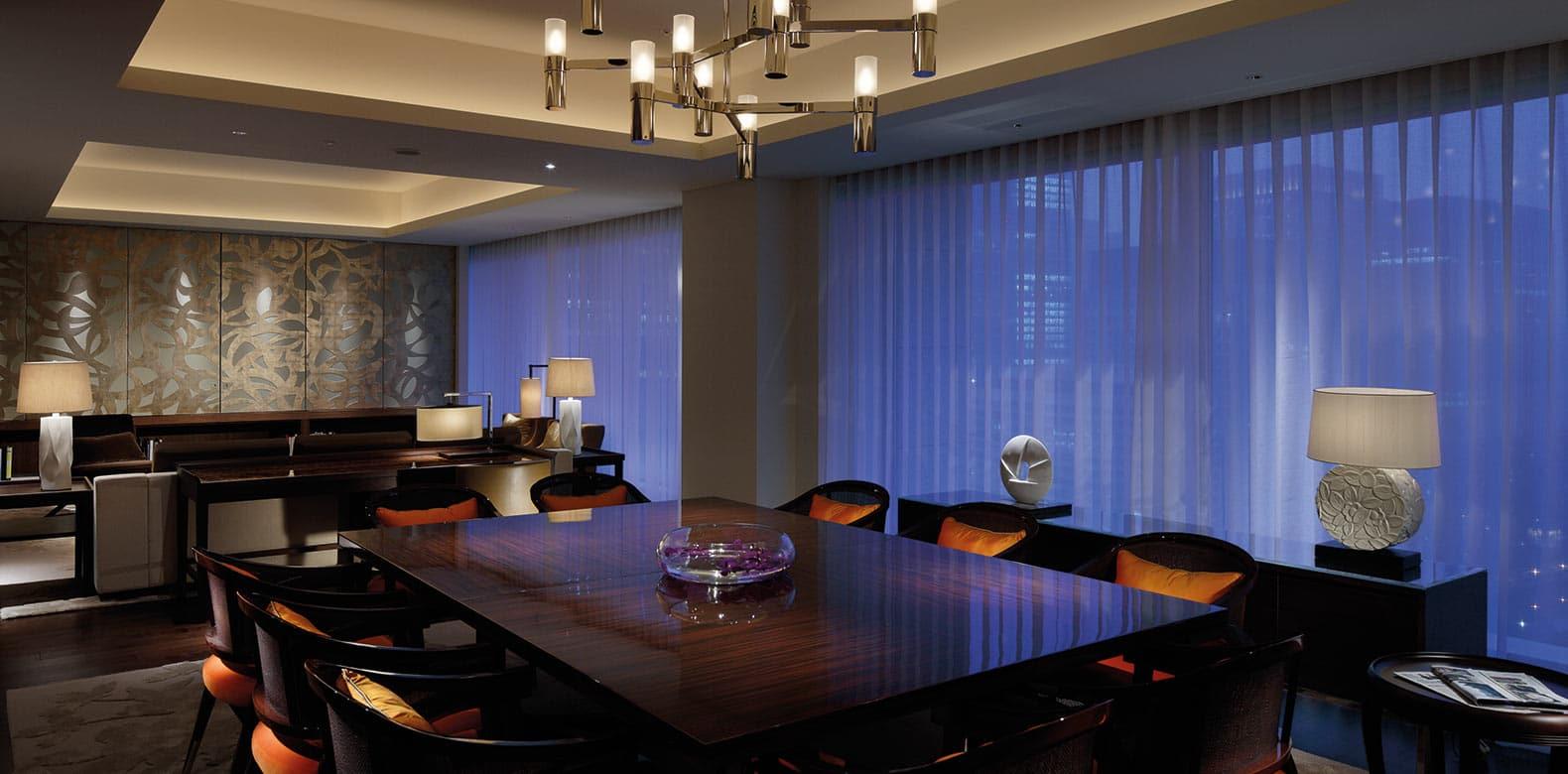 Palace-Hotel-Tokyo-F-Palace-Suite-DiningRoom-I