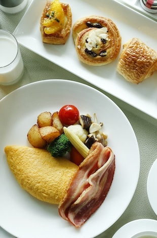 Palace Hotel Tokyo – In-Room Dining Breakfast – II – T2
