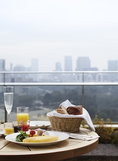 Palace Hotel Tokyo – In-Room Dining Breakfast – T2