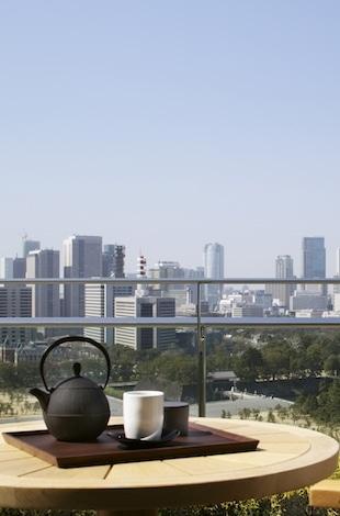 Palace Hotel Tokyo – In-Room Japanese Tea Presentation – T2