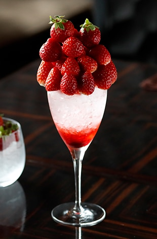 Palace Hotel Tokyo Prive Spring 2020 Strawberry Lovers Cocktail T2