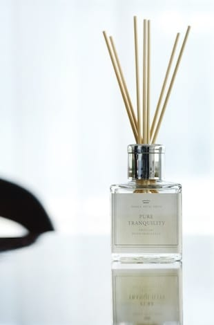 Palace Hotel Tokyo Signature Fragrance 'Pure Tranquility' – Reed Diffuser – II – T2