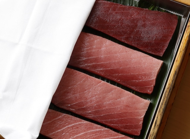 Palace Hotel Tokyo – Sushi Kanesaka Tuna Presentation – H2