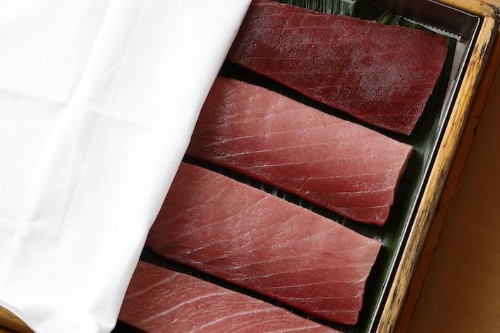 Tokyo sushi - Palace Hotel Tokyo - Sushi Kanesaka Tuna Presentation - H2