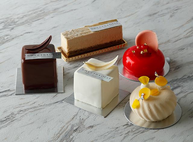 Palace Hotel Tokyo SweetsDeli Winter2020 Cakes H2