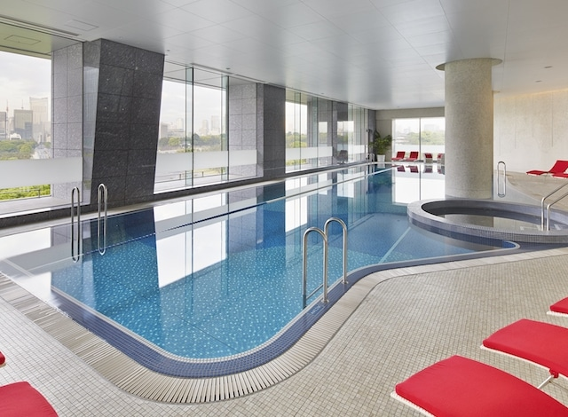 Palace Hotel Tokyo – Swimming Pool