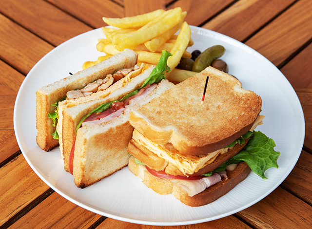 Palace Hotel Tokyo Takeout Grand Kitchen Clubhouse Sandwich H2