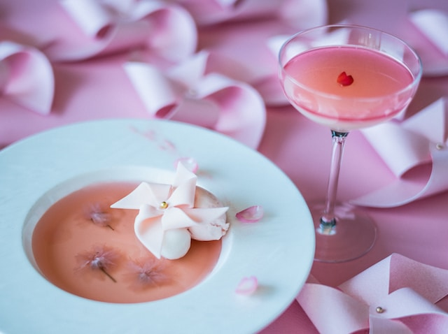 Palace Hotel Tokyo The Palace Lounges Spring 2018 Pink Petals Dessert Cocktail H2