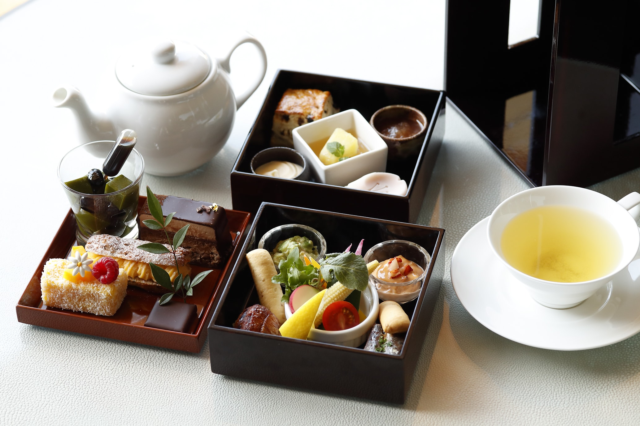 Palace Hotel Tokyo The Palace Lounges Summer 2018 Afternoon Tea