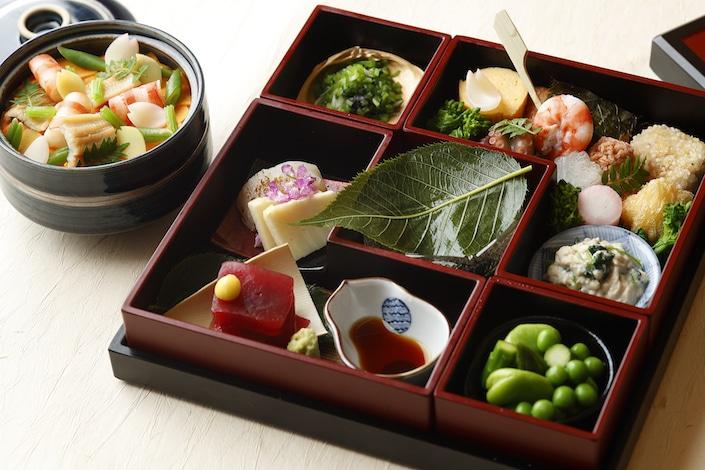 Tokyo restaurant-Palace Hotel Tokyo - Wadakura's Spring 2018 Hanami Bento - H2