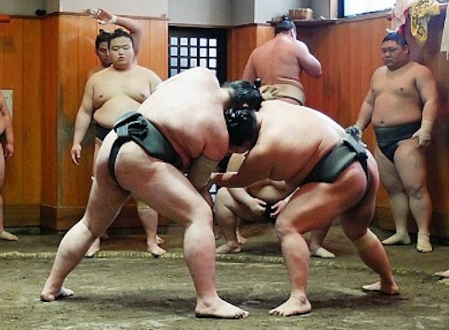 japan-guide.com – Sumo Stable – H2